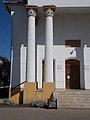 Synagogue, Corinthian columns, 2019 Mezőtúr.jpg