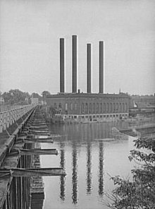 old photo taken from across the Mississippi