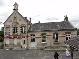 The town hall and school of Taillefontaine