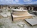 Temple of Jupiter, Baalbek 28130.JPG
