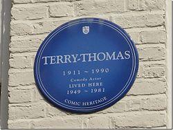 Photo of Terry-Thomas blue plaque