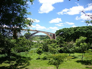 The ´Friendship Bridge´ between Paraguay and B...