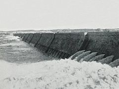 The Barrage at Assouan (1906) - TIMEA.jpg