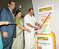 The Minister of State (Independent Charge) for Consumer Affairs, Food and Public Distribution, Professor K.V. Thomas launching the Kendriya Bhandar's subsidized Atta scheme, in New Delhi on May 23, 2012.jpg