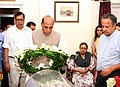 The Union Home Minister, Shri Rajnath Singh paying tributes at the mortal remains of the former Director General of Police (DGP) of Punjab, Shri K.P.S. Gill, in New Delhi on May 27, 2017.jpg