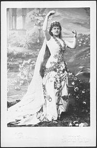 Μαύρη γυναίκα που βγαίνει με έναν Έλληνα άνθρωπο