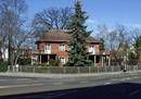 Wohnhaus des Stadtbaurates Schröder mit Gartenhecke