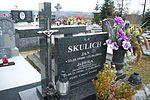Tomb of Pruchniak and Skulich families at Posada Cemetery in Sanok 3.jpg