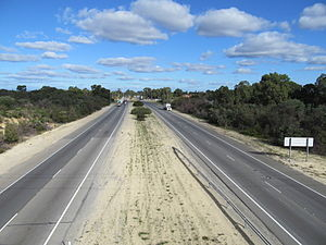 Tonkin Highway - View south along Tonkin Highway in Noranda
