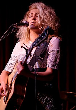 Tori Kelly in 2015