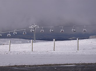 Torre (Serra da Estrela) - Ski lifts of the ski resort near Torre, on January 2007