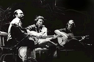 Paco de Lucía - Left to right: Al Di Meola, John McLaughlin, and de Lucía performing in Barcelona, Spain in the 1980s