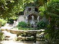 Trsteno, arboretum, kasna se sochami z 16. stol.jpg