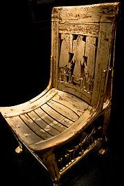 La Chaise De Toutnkhamon