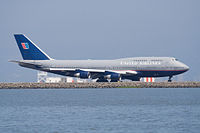 Boeing 747-400 at San Francisco.