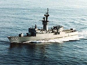 USS Blakely (FF-1072) underway off the coast of Newport, Rhode Island (USA), on 1 February 1991 (6467763)