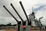 USS Missouri - Rear Guns (6179881743).jpg