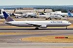 United Airlines, N67052, Boeing 767-424 ER (29467909627).jpg