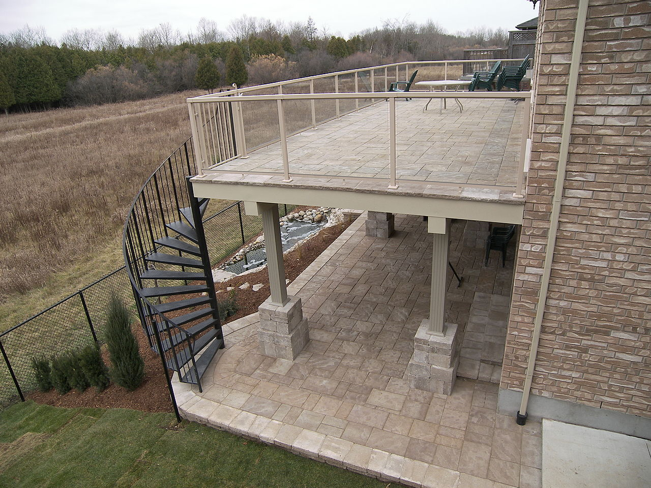 File:Upper Level Paver Deck.JPG - Wikimedia Commons
