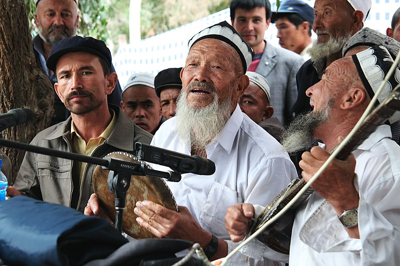 Fichier:Uyghur Meshrep.jpg