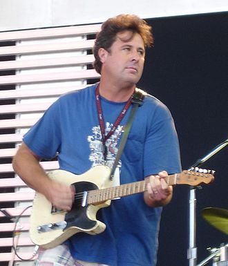 Vince Gill - Gill playing at the 2007 Crossroads Guitar Festival