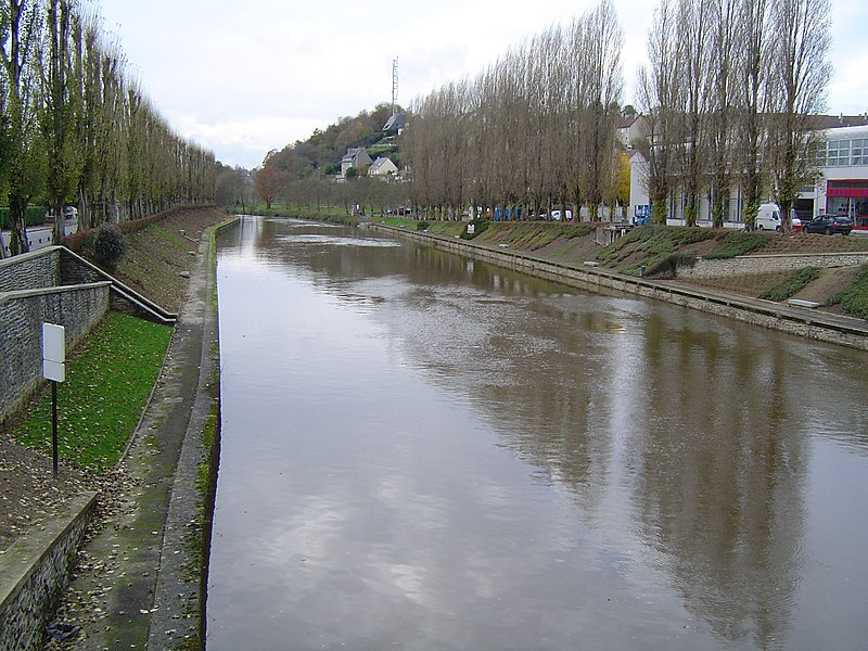 The Vire River at Saint-lô (le déversoir)