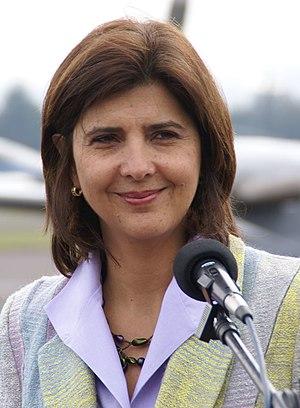 María Ángela Holguín - Image: Visita de la Canciller colombiana, María Ángela Holguín a Cancillería de Ecuador (5187684560)