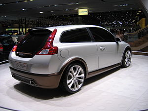 Volvo C30 Concept Car - Flickr - robad0b.jpg
