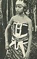 Wayang wong dancer, Wanita di Indonesia p113 (Lichtbeelden Institute).jpg