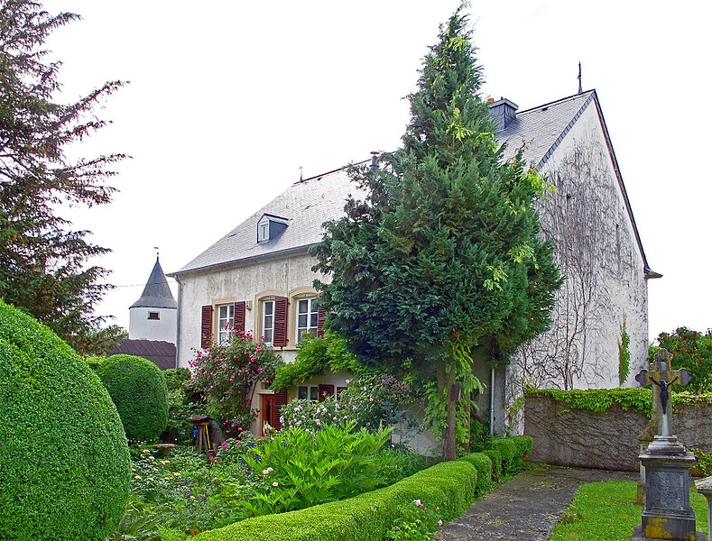 Building in Weiler-la-Tour, 6 rue du Château