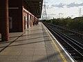 West Ham stn Jubilee eastbound look south.JPG