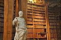 Wien, Österreichische Nationalbibliothek, Prunksaal (1726) (39647934301).jpg