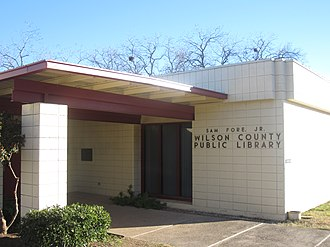 Wilson County, Texas - Image: Wilson County Public Library in Floresville, TX IMG 2686