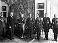 Wręczenie prezydentowi RP Ignacemu Mościckiemu odznaki pułkowej 14 pp NAC 1-A-1402.jpg