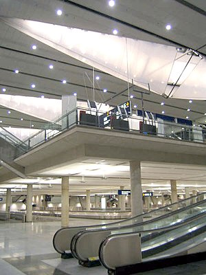 Montréal–Pierre Elliott Trudeau International Airport - The international arrivals hall and baggage claim opened in 2005.