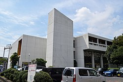 Yokkaichi City Library exterior in Sep. 2017 ac (1).jpg