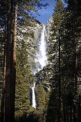 Yosemite (7063063375).jpg