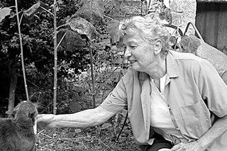 Éliane Radigue - Éliane Radigue and cat