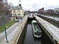Štvanice, plavební komory, z Hlávkova mostu, loď Taurus.jpg
