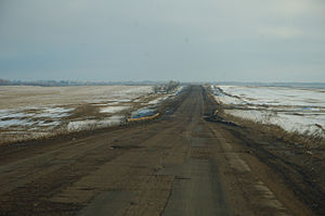Battle of Debaltseve - The Debaltseve to Artemivsk highway, surrounded by open steppe.