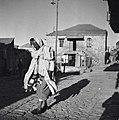 """בדרך מבית-הכנסת הביתה לאחר התפילה , שכונת התימנים """"נחלת צבי"""" בירושלים-JNF012671.jpeg"""