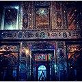 آینه کاریهای اندرونی بنای زینت الملک در شب.jpg