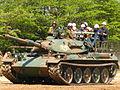 8戦-3 74式戦車.jpg