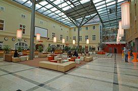 Hotel Wien Hours