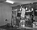 04-15-1960 17203 Schilders in de Camera Corner (4079910403).jpg