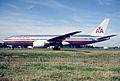 145ey - American Airlines Boeing 777-223ER, N776AN@CDG,11.08.2001 - Flickr - Aero Icarus.jpg