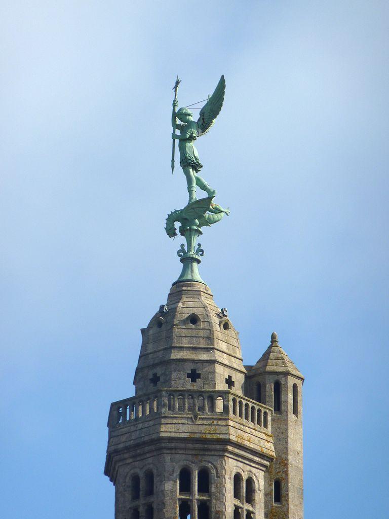 file 157 saint michel mont mercure le clocher et la statue de l 39 archange saint michel. Black Bedroom Furniture Sets. Home Design Ideas