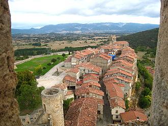 Frías, Province of Burgos - Image: 18092007 frias vistas desde castillo 9