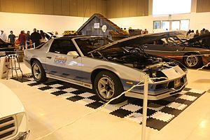 1982 Indianapolis 500 - Image: 1982 Chevy Camaro Pace Car