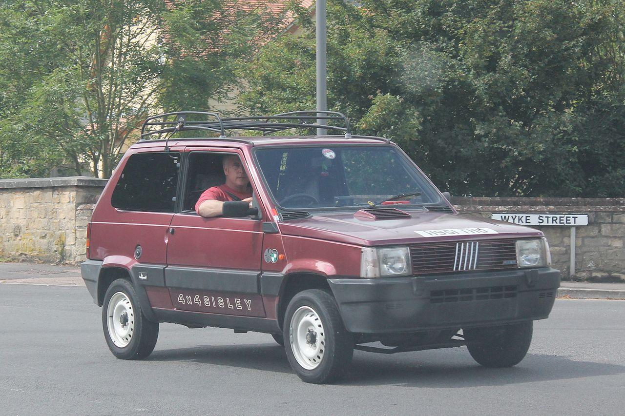 File 1991 fiat panda sisley 4x4 14682591324 jpg for Fiat panda 4x4 sisley usata